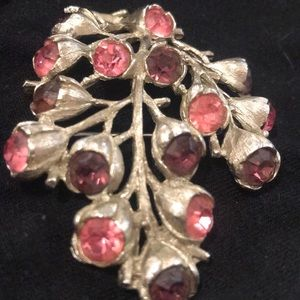 Sarah Coventry vintage silver tone brooch pin